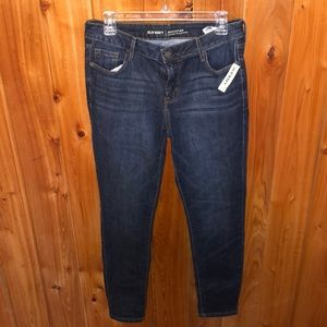 NWT Old Navy Rockstar Jeans Size 10